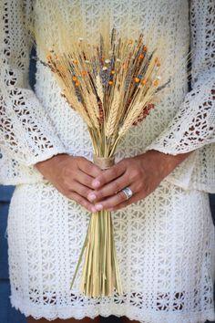 Secado de ramo de la boda rústica de trigo por PickaBloomFlowers