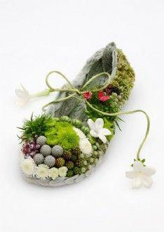 New Releases Tapestry Shoe Flower Shoes, Flower Art, Garden Crafts, Garden Art, Deco Floral, Floral Design, Floral Fashion, Botanical Art, Flower Designs