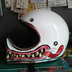 This can be very true almost about about Vintage Motorcycles. Drive one just about to happen and all mind change, tired in approval. Motorcycle Helmet Design, Biker Helmets, Motorcycle Bike, Cool Motorcycles, Vintage Motorcycles, Harley Davidson Iron 883, Chevelle Ss, Chevy Camaro, Helmet Paint