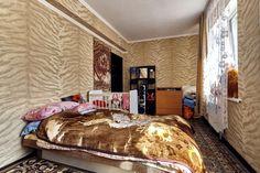 Cданные дома / 3-комн., Краснодар, Жигуленко, 4 400 000 http://krasnodar-invest.ru/vtorichka/3-komn/realty247582.html  Просторная трехкомнатная квартира 76/60/10 на 3/7 этажного  кирпичного дома, 2 изолированные спальни. Кухня-гостиная. В квартире сделан дорогой ремонт, использовались качественные итальянские обои, дорогая плитка. Большая ленточная лоджия . Удобная планировка квартиры нв 2-е стороны. Дом со своей детской площадкой.