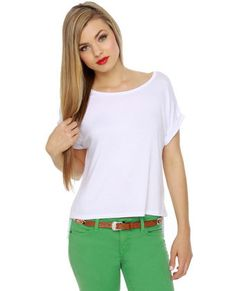 Cute Casual Outfit..white shirt with colored pants(