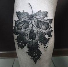 I love this skull leaf tattoo!