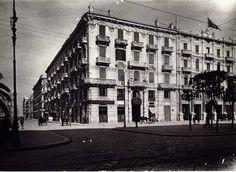 Si tratta di un edificio piuttosto monumentale costruito nel 1915/16 dall\'ing. Patruno. Il prospetto si caratterizza per l'eleganza del portone incorniciato da due colonne che…