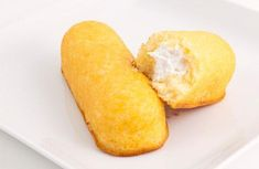 Homemade Twinkies recipe ~ a benefit to making your own homemade Hostess treats is the ability to swap out certain ingredients to make them healthier, if you so wish Just Desserts, Delicious Desserts, Dessert Recipes, Yummy Food, Mini Desserts, Party Recipes, Healthy Desserts, All You Need Is, Just In Case