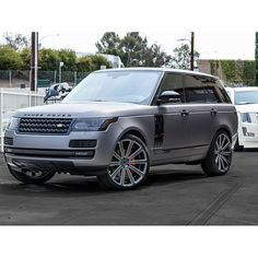 Check out this matte dark gray and gloss black Range Rover we jus - http://www.stickercity.com/sc-vehicle-wraps/check-out-this-matte-dark-gray-and-gloss-black-range-rover-we-jus