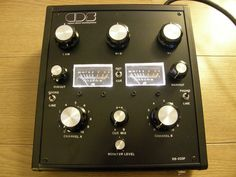 Compact Disco Soundsystem DS223F - Custom built 2 channel + 3 way isolator, chip based design.