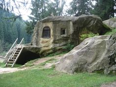 Romania - this stone house was built in the century. Carved from a single giant boulder, the dwelling was the spiritual home of a medieval monk in Romania. Fred Feuerstein, Giant Boulder, Medieval, Rare Historical Photos, Unusual Homes, Chapelle, Beautiful Architecture, 15th Century, Around The Worlds