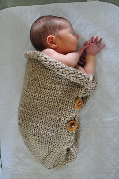 Bulky, 84 - 120 yards, Ravelry 507 Baby Cocoon free pattern - Possible gift for my new niece or nephew Knitting For Kids, Baby Knitting Patterns, Loom Knitting, Baby Patterns, Knitting Projects, Crochet Projects, Crochet Patterns, Crochet Cocoon, Knit Or Crochet