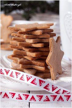 pierniczki-świąteczne Christmas Flatlay, Christmas 2017, Xmas, Cookies And Cream Cake, Spice Cookies, Gingerbread Cookies, Sweet Treats, Cooking Recipes, Sweets