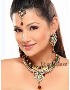 Glorious Maroon & Green Necklace Item code : JSWT520