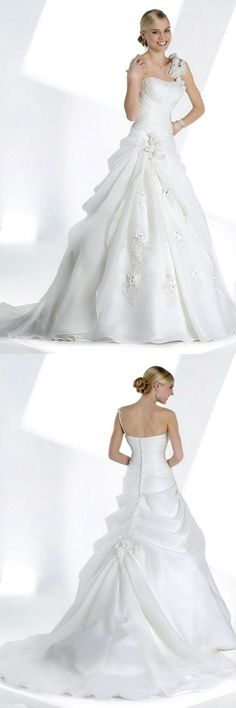 """Gypsy Design And Style Bridal Dresses V Neck Weddings Gowns Sundress Striped Young Ankle Length """"Young Girls Gowns Intended For Wedding Events, White And Black Bridal Wear"""" Curvy Small Bust V Neck Striped Mature Wedding Winter Dresses Traditional Simply Tall Strapless Polyester Bridesmaids Buttons Down The Back Petal Teacup Girdle Sleek."""