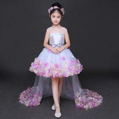 Fashion 2018 New Brief Flower Girl Dresses for Wedding Princess Dress Long Tails with Tulle Appliques Party Ball Gown Little Girl Gowns, Gowns For Girls, Girls Party Dress, Little Girl Dresses, Princess Flower Girl Dresses, Baby Dress Design, Baby Girl Dress Patterns, Kids Gown, Baby Frocks Designs