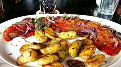 #Dinner: #Spicy #currywurst and #potatoewedges. #food #foodporn #foodie #sausage #hot #curry #germanfood #Bratwurst #onion #herbs #cuisine #cooking #restaurant #travel #foodphotography #foodstagram #foodblog #foodblogger #fastfood #traditionalfood #l4l #Berlin #München #Ruhrpott #Bochum #Ostwestfalen
