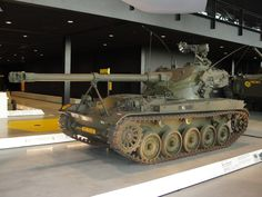 In het NMM Soesterberg Armored Fighting Vehicle, Battle Tank, World Of Tanks, Armored Vehicles, Military Vehicles, Techno, Wwii, Guns, Country