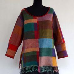 Pull Tunique châle en pure laine tissée dessins patchwork , col rond…