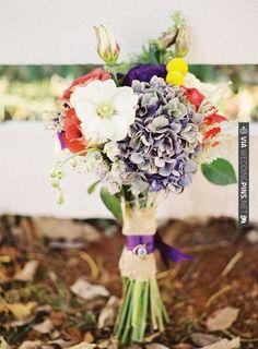delicate bouquet | VIA #WEDDINGPINS.NET