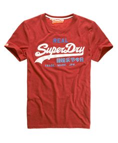 Superdry men's Vintage Logo t-shirt. The iconic t-shirt from Superdry. A classic crew neck t-shirt featuring a three colour raised logo print design and a Vintage Superdry sleeve logo tab.