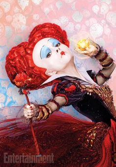 Alice Attraverso lo Specchio: nuove immagini con il Cappellaio Matto, la Regina Rossa e il Tempo