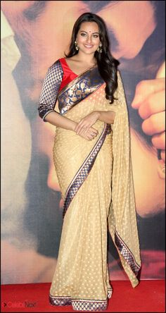 Sonakshi Sinha in Saree with brocade border & choli sleeve promoting her film 'Lootera' in Sari @ via Bollywood Saree, Indian Bollywood, Bollywood Fashion, Bollywood Actress, Saree Fashion, Indian Actress Photos, Beautiful Indian Actress, Indian Dresses, Indian Outfits