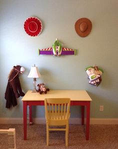 Toy Story room hat on walls