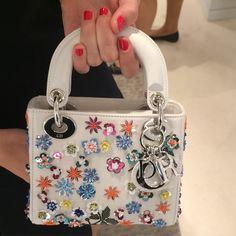 """Résultat de recherche d'images pour """"embellished bag"""""""