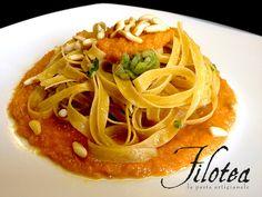 Fettuccine alle castagne Filotea con scarola, crema di zucca e pinoli croccanti