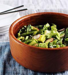Crunchy Spring Salad with Dill Dressing (raw, vegan)