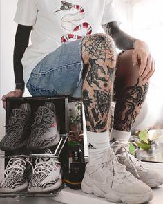 My favorite sneakers  #crepprotect #crepprotectrussia #yeezy500 #yeezyboost350v2 #yeezyboost350v2zebra #yeezyboost350v2beluga