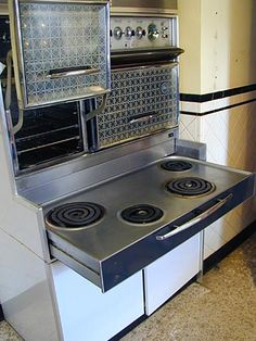 Frigidaire Flair Stove as seen on the TV show Bewitched. I knew someone who had one of these!