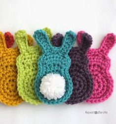 Easy crochet bunny with popom tail - free crochet pattern // Popon farkú egyszerű horgolt nyuszi - ingyenes horgolásminta // Mindy - craft tutorial collection // #crafts #DIY #craftTutorial #tutorial