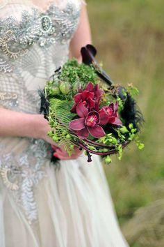 blackred zantadeschia, rustred cymbidium, springgreen fern collared handtied bouquet, francoise weeks