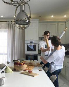 Когда на кухне готовят мужчины, лучше туда не подходить 💪🏻😅🙈 #моиидеальные