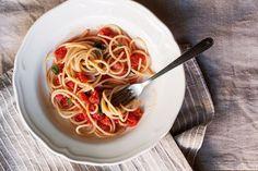 Raw Tomato Sauce (Salsa Cruda di Pomodoro) Recipe on Cherry Tomato Sauce, Italian Tomato Sauce, Tomato Pasta Sauce, Spaghetti Sauce, Cherry Tomatoes, Raw Tomato Sauce Recipe, Raw Food Recipes, Sauce Recipes, Pasta Recipes