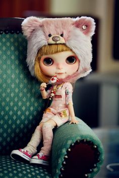 Jamie, Freddy Tan Creation's Custom Blythe Doll - pic by Annie's wonderland via Flickr     #doll #blythe   {those shoes!}