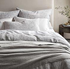 Luxurious Light /& Fluffy 7 Piece  Reversible Russian Light Gray  Comforter Set.