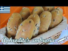 Lenten Currant Buns with Tsoureki Flavor Whole Wheat Flour, Greek Recipes, Going Vegan, Bagel, Sweet Potato, Food And Drink, Healthy Eating, Potatoes, Vegetables