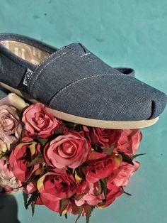 The forerunner of Spring: the new TOMS collection! Red Toms, Shoe Collection, Summer Shoes, Shoe Brands, Blue Denim, Heeled Mules, Spring, Espadrilles, Summer Sneakers