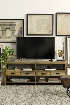The Tahoe II boasts purely rugged beauty. Made of mixed reclaimed wood, the console bares all its perfect imperfections under a rustic finish, making it a natural choice for storing and displaying entertainment essentials in any room.