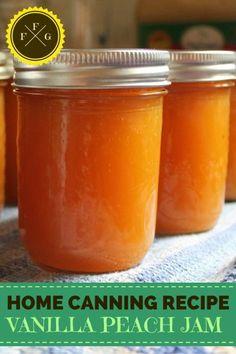 Recipe for canning vanilla peach jam. I love canning peach jam, the flavor of summer is divine during the winter. Adding vanilla to peach jam Peach Juice, Peach Jam, Peach Vanilla Jam, Peach Jelly, Peach Butter, Home Canning Recipes, Canning Tips, Jelly Recipes, Jam Recipes