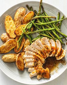 Amazing Apricot Chicken with Fingerling Potatoes and Green Beans | Learn more about our amazing sauce and glaze recipes on hellofresh.com