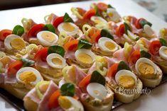 "Oblozene chlebicky ""Open Sandwich"" in Czech Republic. Czech Recipes, Russian Recipes, Ethnic Recipes, Finger Food Appetizers, Appetizer Recipes, Snack Recipes, Sandwich Platter, Goat Cheese Salad, Sandwiches"