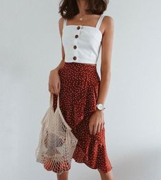 Finally found the perfect top to wear with this midi skirt! - Wearing my Cathy L...... #Cathy #Finally #Midi #Perfect #Skirt #Top #Wear #wearing