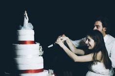"Il famoso ""taglio della torta""  #torta #cake #weddingphotography #sardiniawedding #sardiniareportage #weddingday #destinationwedding #portorotondo #weddingphotgrapher #sardiniaweddingphotograper"