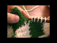 Learn how to knit entrelac! This clip is from Knitting Daily TV episode Play with Color. Eunny Jang gives a quick lesson on entrelac colorwork knitting,. Tunisian Crochet Stitches, Granny Square Crochet Pattern, Crochet Blanket Patterns, Baby Blanket Crochet, Crochet Baby, Free Crochet, Crochet Geek, Knitting Patterns, Crochet Patterns For Beginners