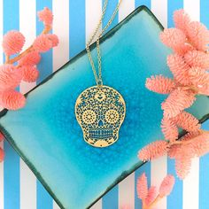 LAVISHY designs & wholesale original & beautiful applique bags, wallets, pouches & accessories for gift shop/boutique buyers in USA, Canada & worldwide. Gift Shops, Clothing Boutiques, Filigree Earrings, Skull Necklace, Makeup Pouch, Boutique Shop, Online Shopping, Plating, Fashion Accessories