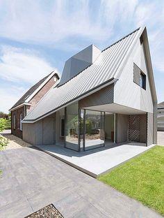 House W By Studio Prototype Satteldach, Einfamilienhaus, Wohnen, Moderne  Häuser, Moderne Hausentwürfe