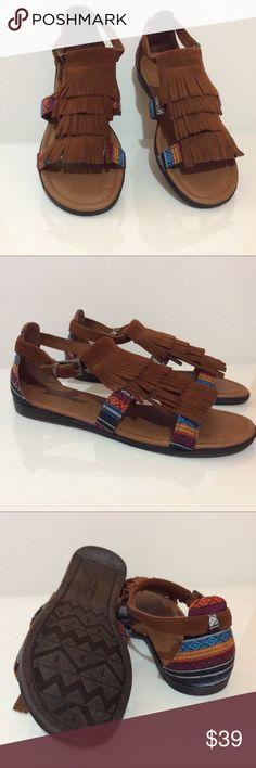 MINNETONKA Maui  Sandal Brand New. Suede leather upper Minnetonka Shoes Sandals