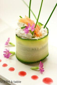 stephatable: Fraîcheur printanière : Maki de Courgette, fromage frais et saumon fumé