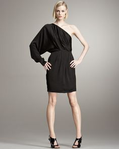 wish i could have this dress in my closet... a girl can dream. / one shoulder dress / stella mccartney
