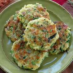 Zucchini Fritters with Feta Cheese - The Dinner-Mom Veggie Side Dishes, Vegetable Dishes, Zucchini Cake, Recipe Zucchini, Zucchini Tomato, Red Onion Recipes, Vegetarian Recipes, Healthy Recipes, Recipe For 4